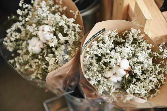 かすみ草の花束